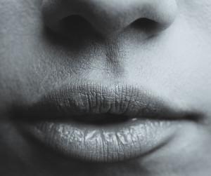 lips-700